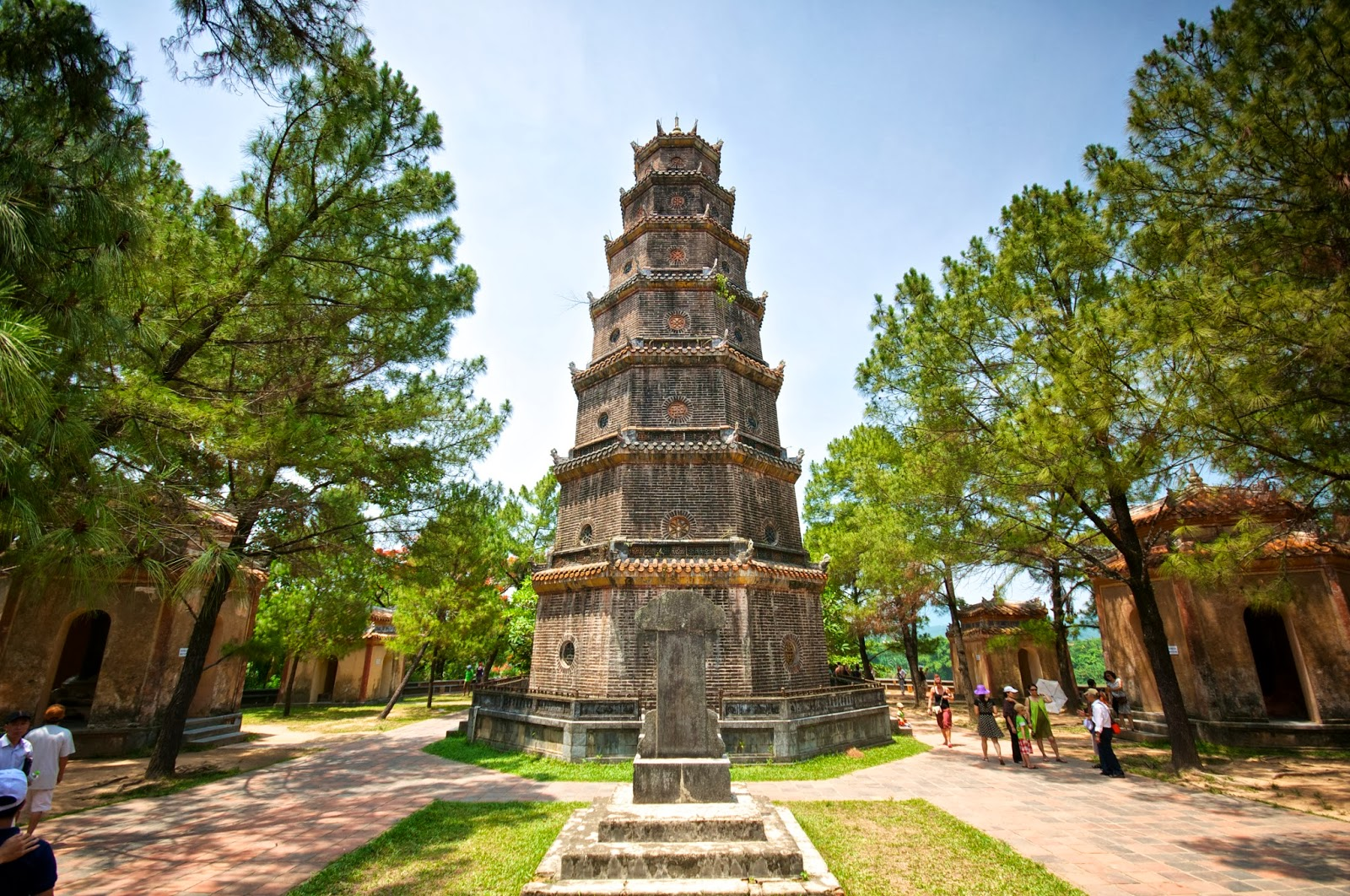 Phuoc Duyen Tower in Thien Mu Pagoda