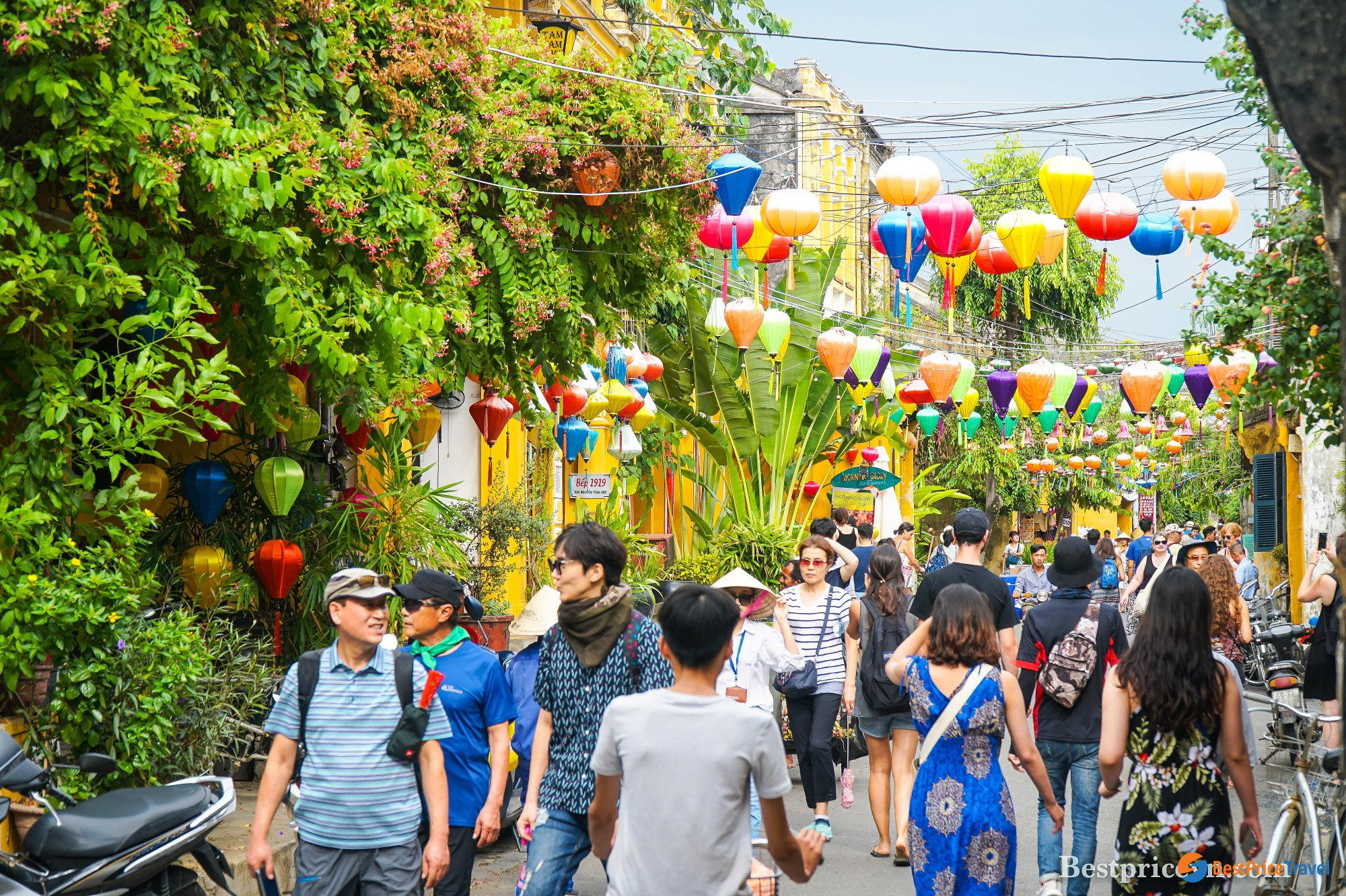 Walking in Hoi An Ancient Town