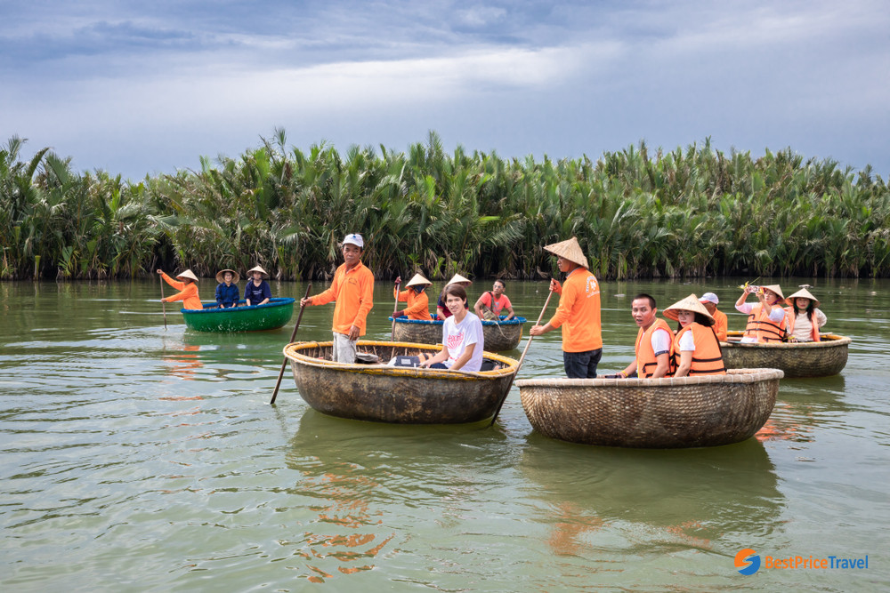 Boat trip in Cam Thanh