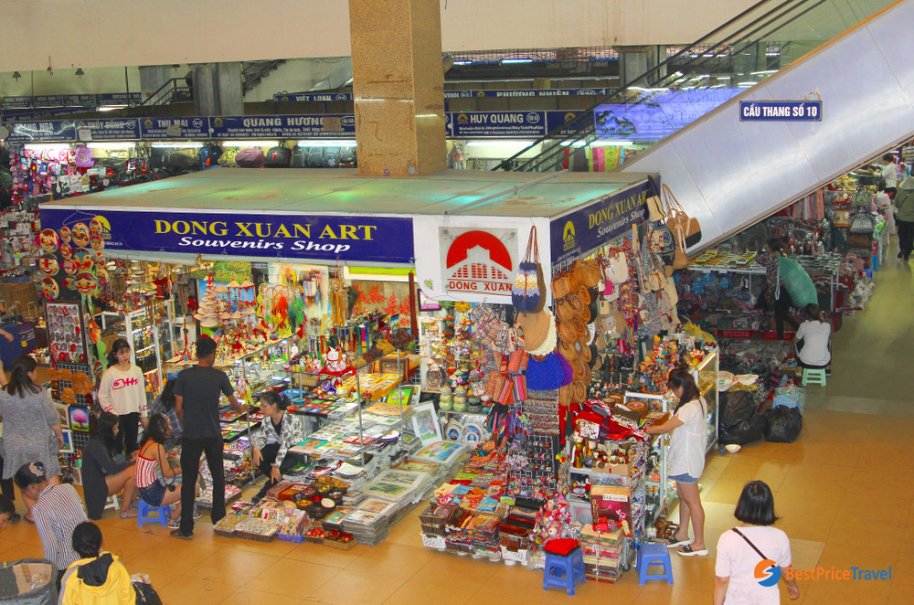 Products in Dong Xuan Market