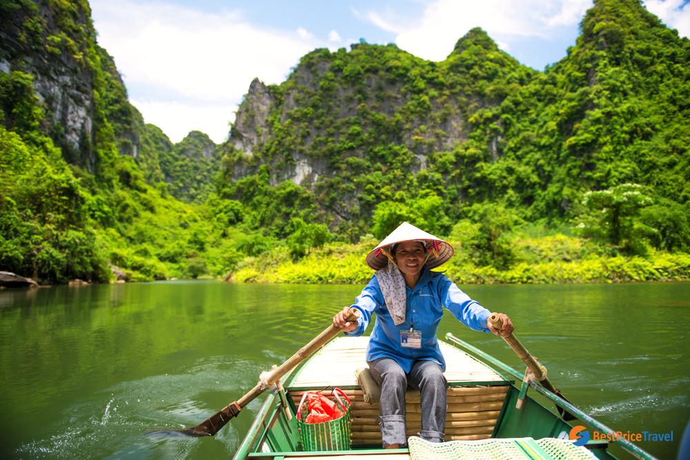 Boat trip in Tam Coc