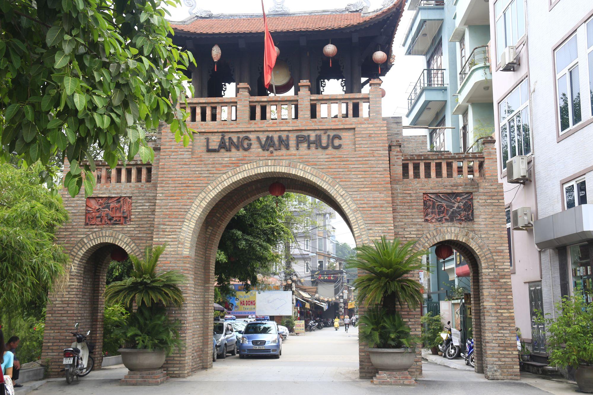 Van Phuc Silk Village - Traditional Handicraft Villages in Hanoi