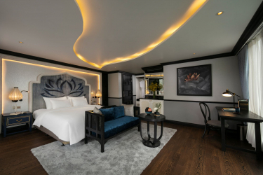Royal Lotus Suite Balcony