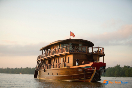 Mekong Eyes Classic Cruise Halong Bay