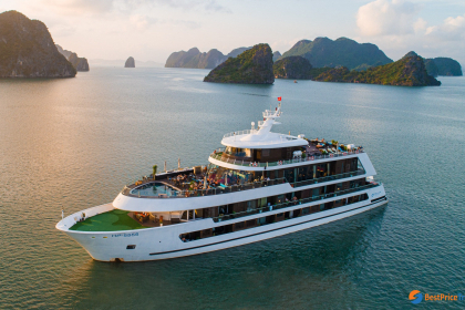 Stellar of the Seas Cruise Halong Bay