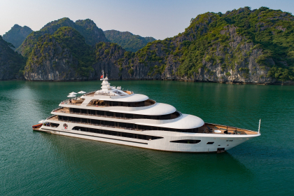 Scarlet Pearl Cruise Halong Bay