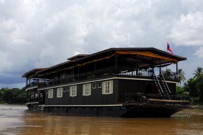 Vat Phou Cruise Halong Bay