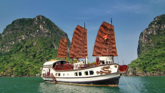 Red Dragon Cruise - No 15 Halong Bay Small Boat Cruises