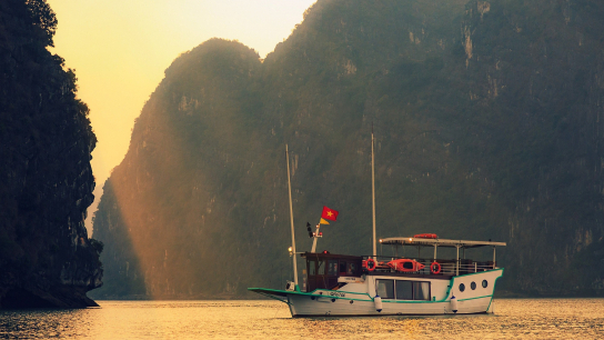 L'Azalee Private Cruise - No 2 Halong Bay Day Cruises