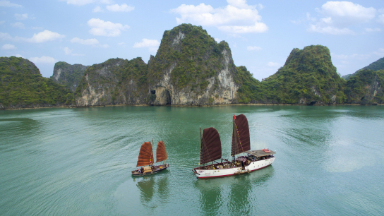 Nang Tien Day Cruise - No 8 Halong Bay Private Cruises