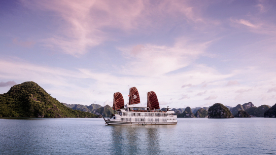 Glory Legend Cruise - No 20 Halong Bay Family Cruises