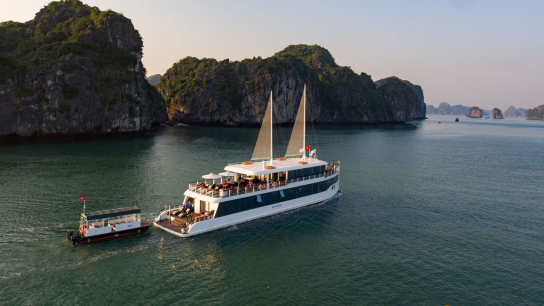 Jade Sails - No 17  Lan Ha Bay Cruises