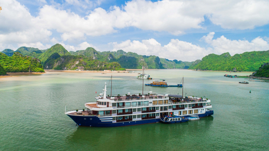 Sealife Legend Cruise - No 14  Lan Ha Bay Cruises