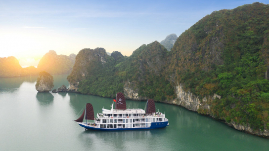 O'Gallery Lotus Cruise - No 10 Halong Bay Family Cruises