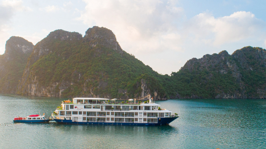 Mon Cheri Cruise - No 1 Halong Bay Family Cruises