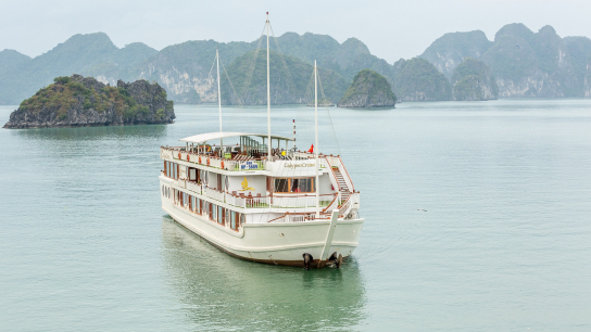 Calypso Cruise - No 7 Halong Bay Family Cruises