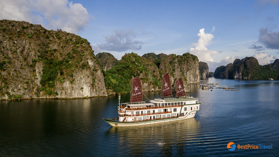 Ylang Cruise - No 17  Lan Ha Bay Cruises