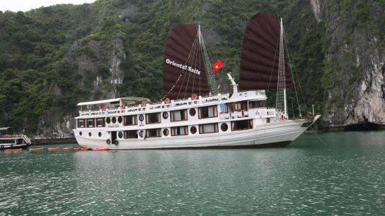 Oriental Sails - No 3  Bai Tu Long Bay Cruises