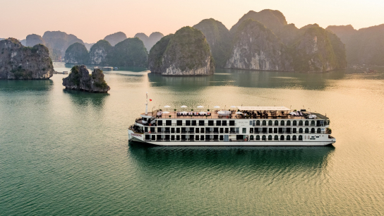 Indochine Cruise - No 8 Halong Bay Family Cruises