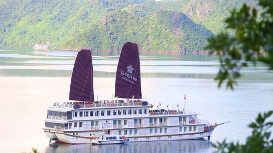 Heritage Line Jasmine Cruise - No 15 Halong Bay Family Cruises