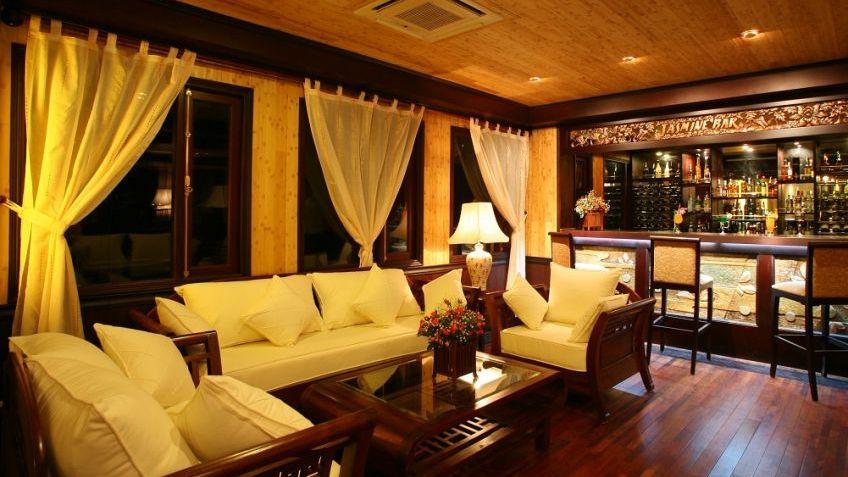 Jasmine Bar & Lounge