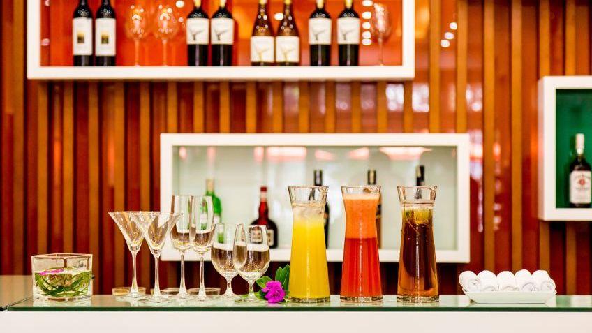 LAzalee Bar Beverage Reception Lounge