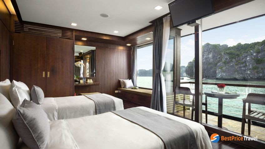Suite Cabin With Private Balcony