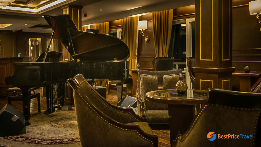 Paradise Elegance Le Piano Lounge In Halong Bay