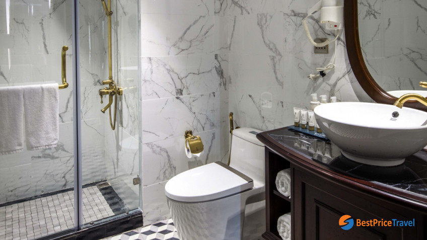 President Cruises Balcony Cabin Bathroom