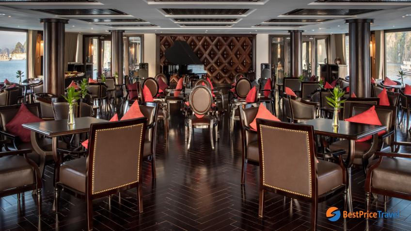 President Cruises Piano Lounge 2
