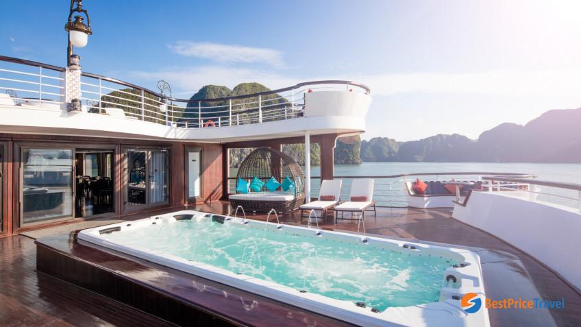 President Cruises Pool 2