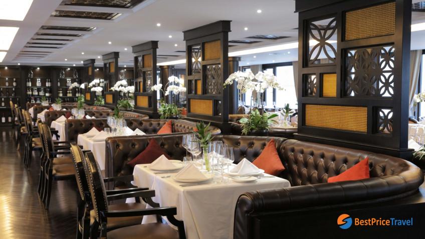 President Cruises Restaurant 2