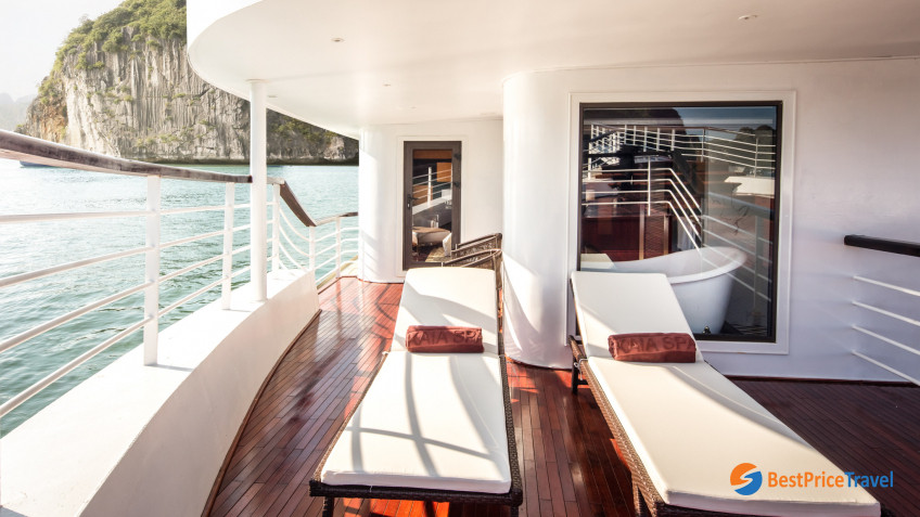 President Cruises Tresury Suite 3