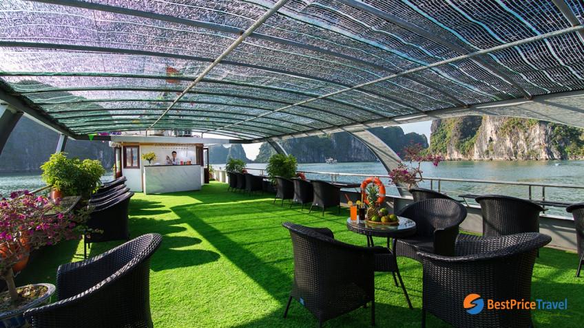 0016864 Alova Premium Cruises Halong Bay 1 Day Group Tour 1