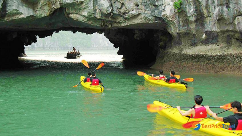 32 Halong Bay Kayaking 1 838