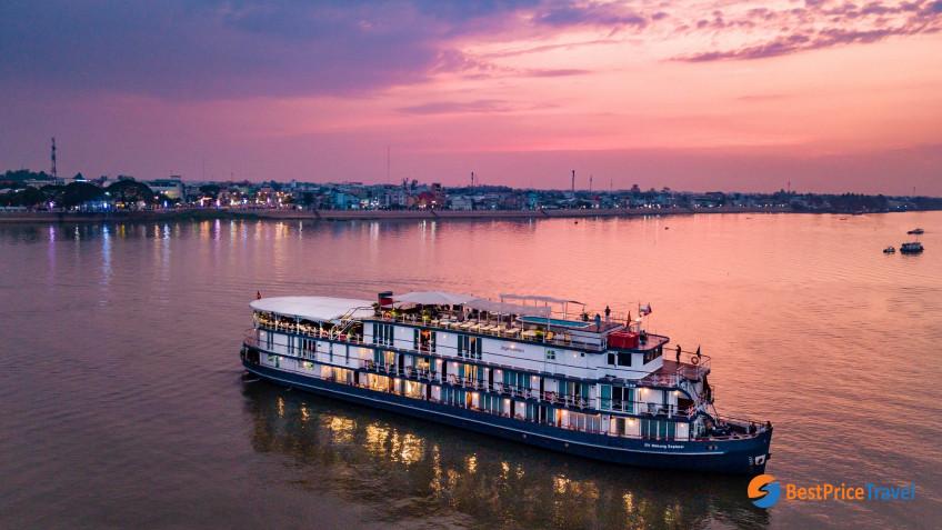 Heritage Line Mekong Jayavarman Ship