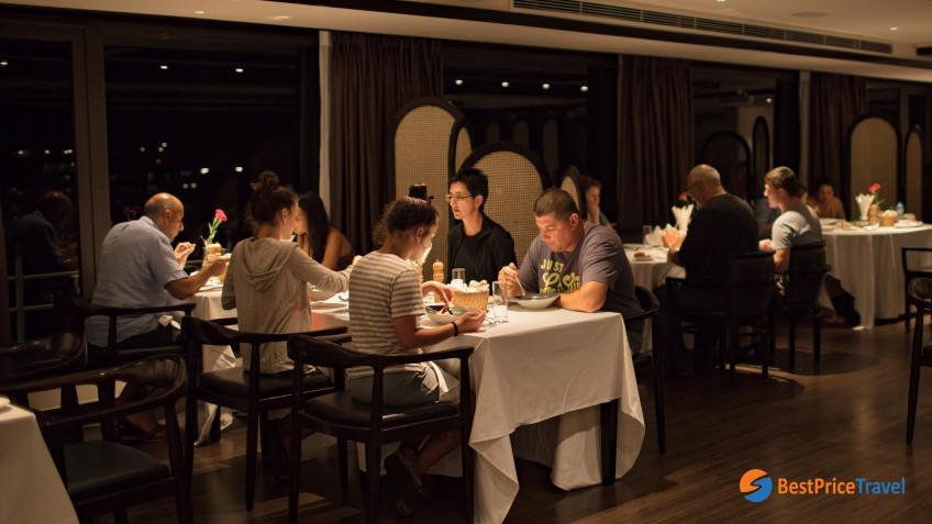 Pearl Restaurant 4