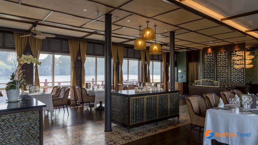 Heritage Line Lan Ha Bay Ylang Restaurant 4
