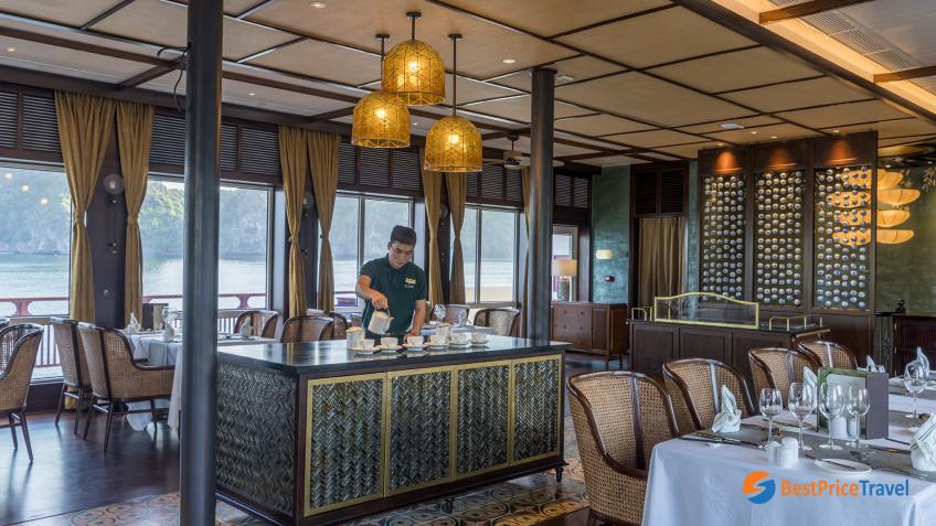 Heritage Line Lan Ha Bay Ylang Restaurant 5