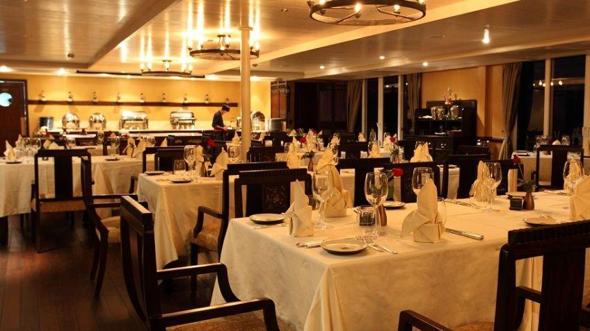 Restaurant/ Bars