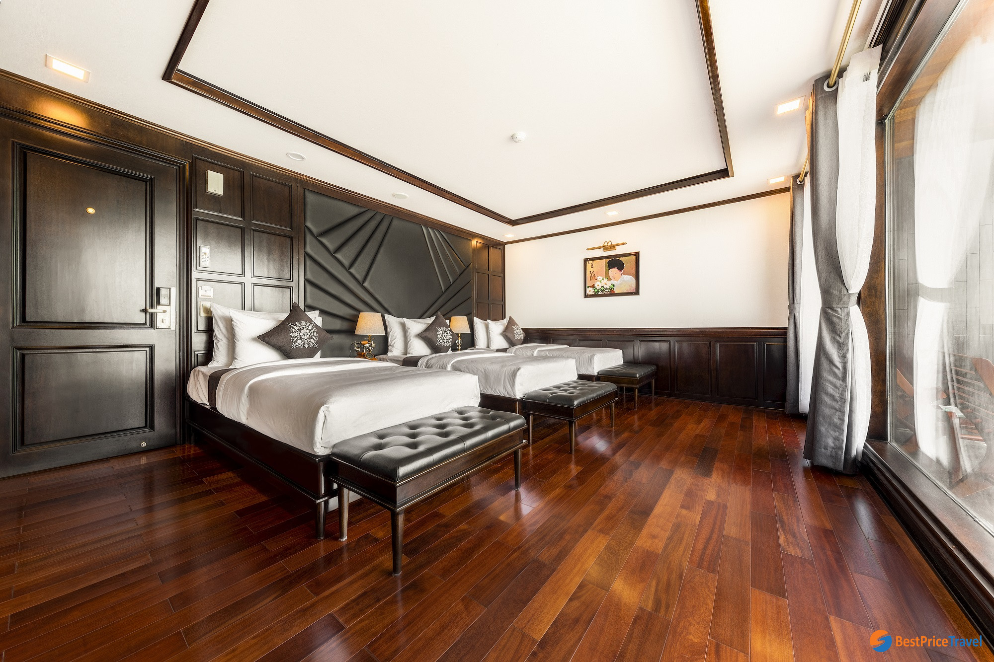Queen triple Suite on La Regina Cruise