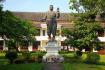 Estatua Sisavang Vong Haw Kham