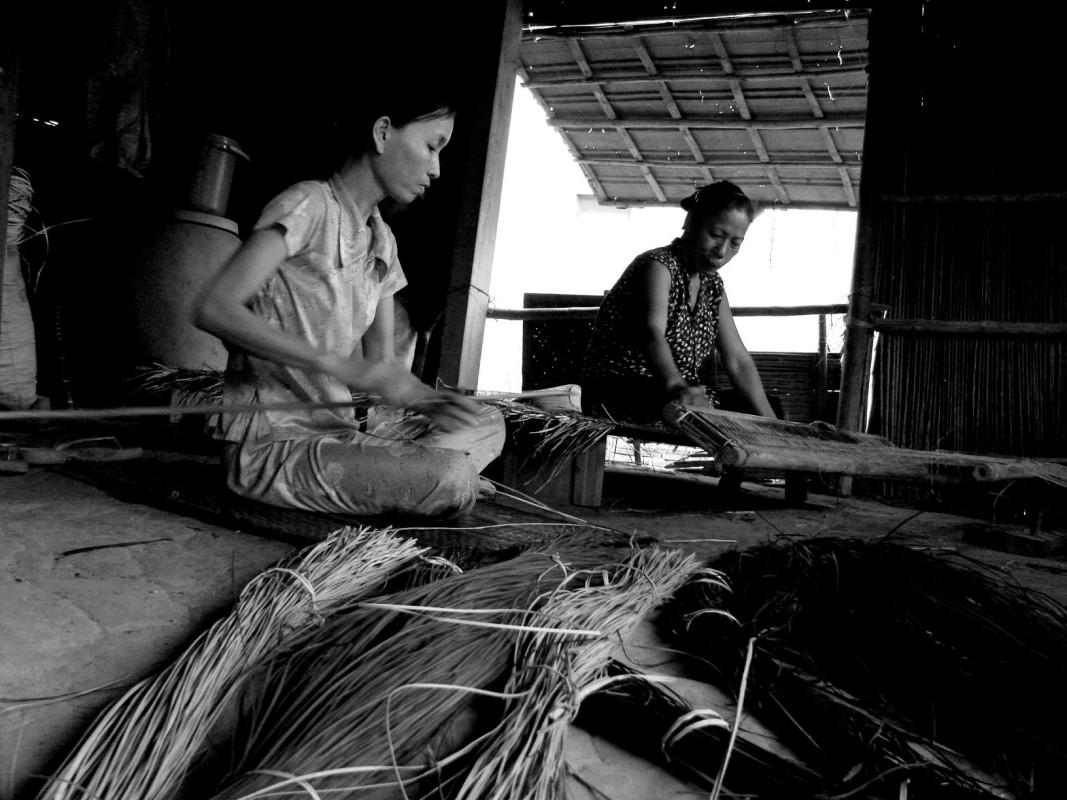 Making Mat in Duy Vinh Village