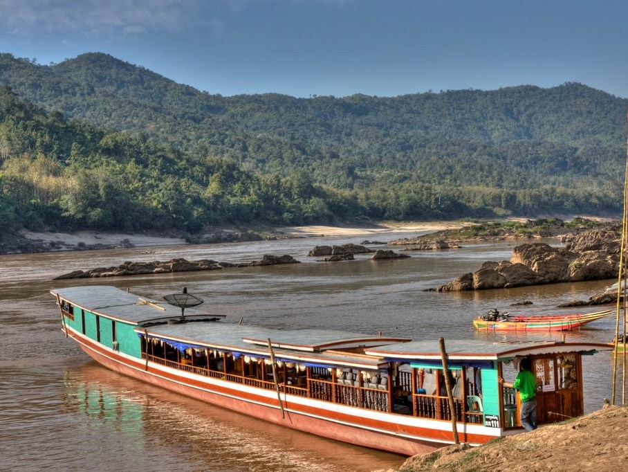 Boat trip from Huay Xai