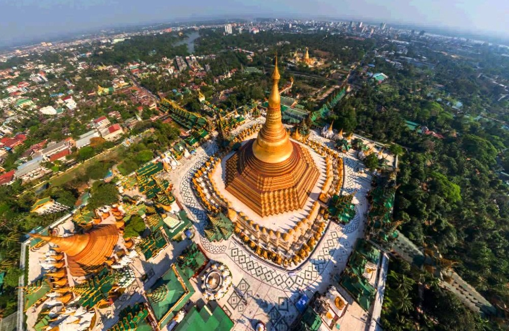 Bird-eye view of the Shwedagon Pagoda