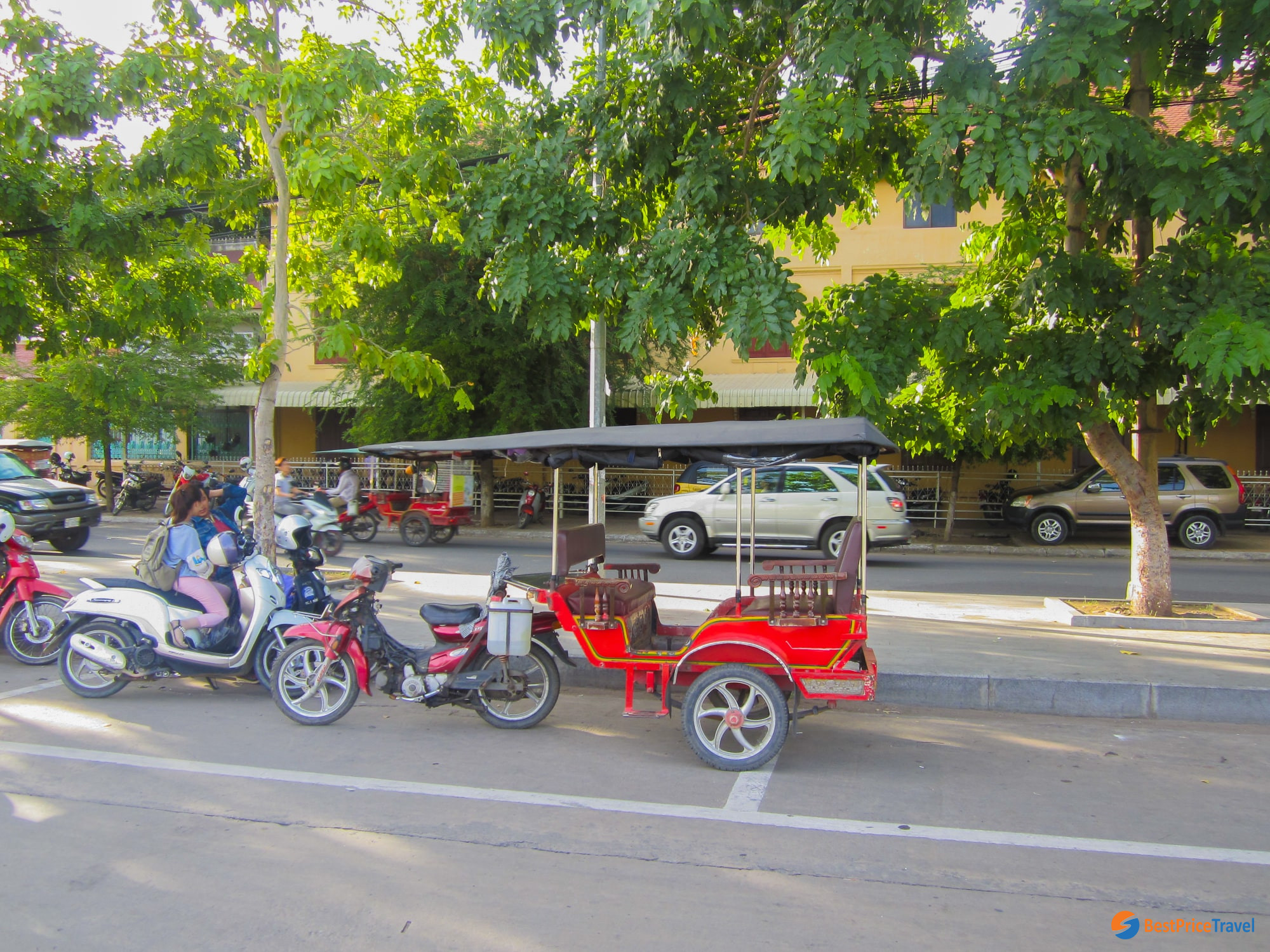 Tuk Tuk - Popular transport in Phnom Penh