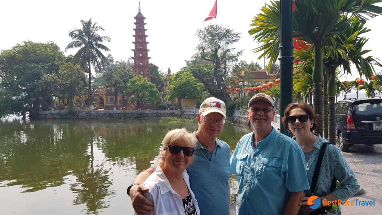 BestPrice Travel guests visit Tran Quoc Pagoda