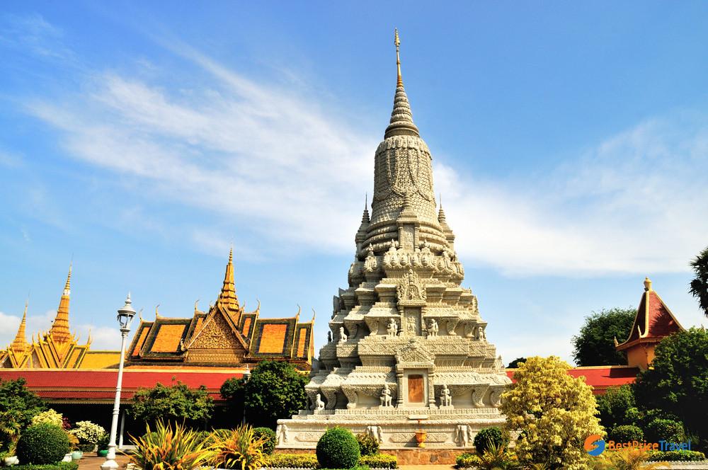 Ramayana epic of Silver Pagoda