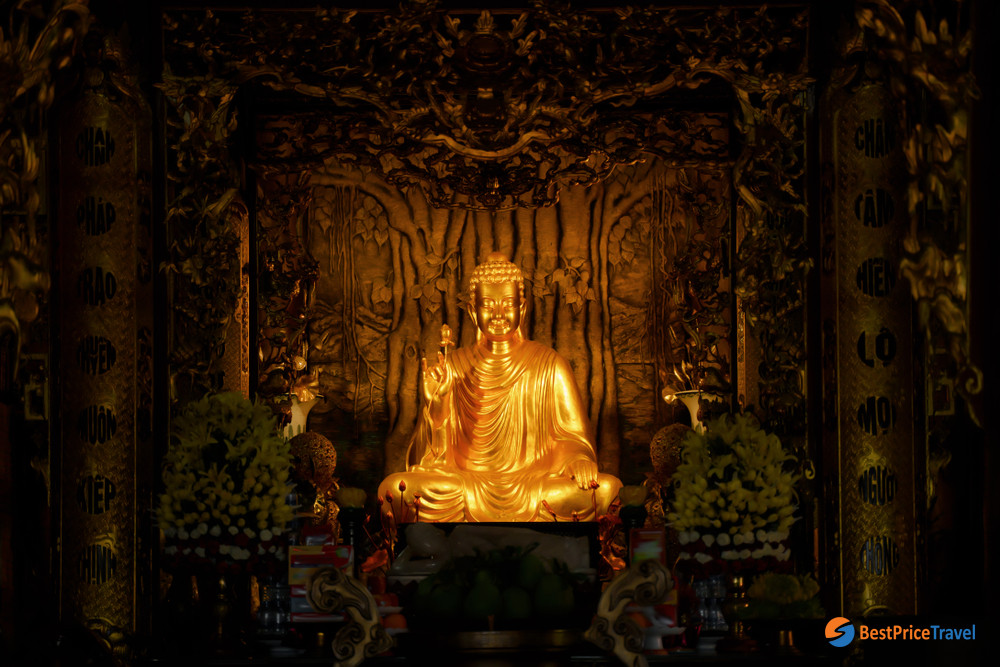 Buddha statue in Ho Quoc Pagoda