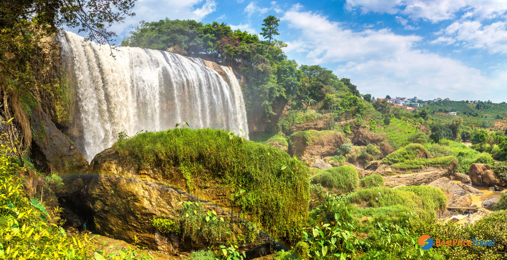 Overview Elephant Waterfall